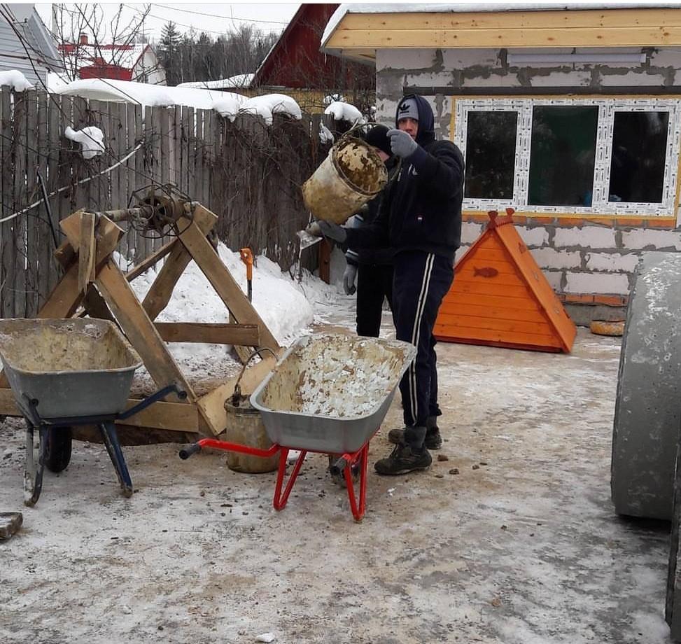 аккуратная копка шахты для колодца